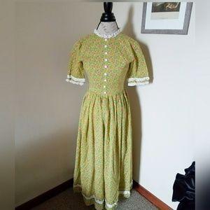 Vintage Floral Prairie Style Dress